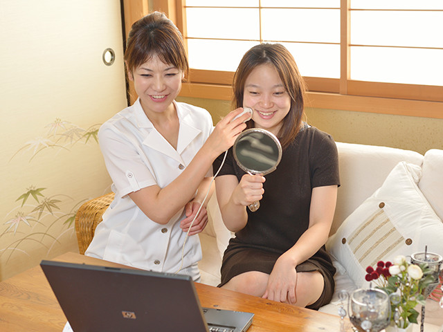 肌測定器による肌診断