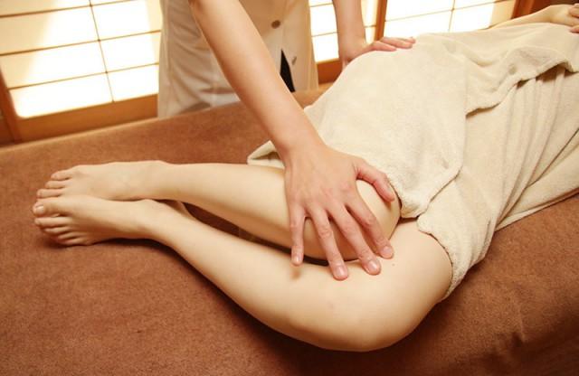 美腸骨調整 軽いストレッチで呼吸と体のバランスを整えます